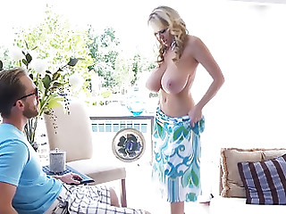 Kelly Madison seduces a cohort with her stunning making