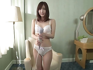 Airi Suzumura loves when her boyfriend is messing connected with her body with cream