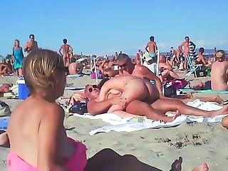 Couple Fucks At The Beach - public sex