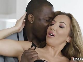Saleable Wife Richelle Ryan Skulduggery With Chocolate Lover