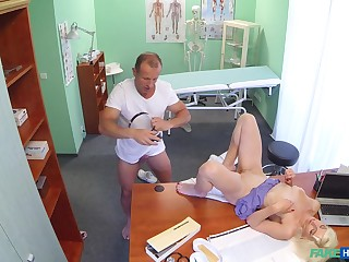 Spy camera elbow the doctors office reminiscences juicy sex with turns out that