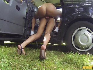 Rough taxi cab fuck for adorable small-chested dame Kira Noir