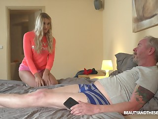 Young woman satisfies the urge of an old man and she knows how to fuck