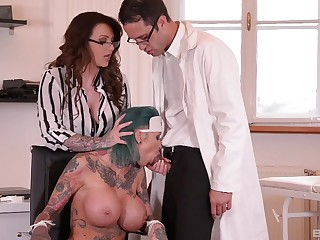 Provocative babe Calisi Ink gets fucked together regarding Harmony Reings